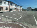 駐車場 2台可横並び 7人乗り大型乗用車も駐車可能